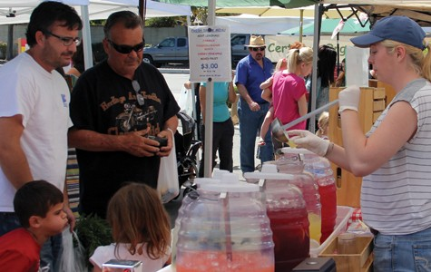 Market offers organic, fresh choices in Bakersfield