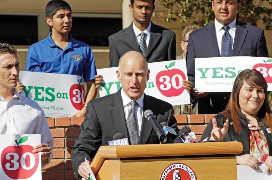 Jerry Brown speaks at Bakersfield College in support of Prop. 30