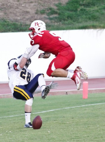 Renegades respond with dominant win over Canyons