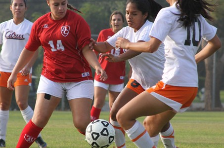 Soccer team drops last match, misses playoffs