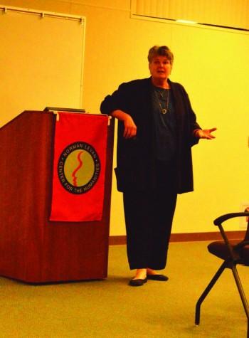 Author speaks on species' communication