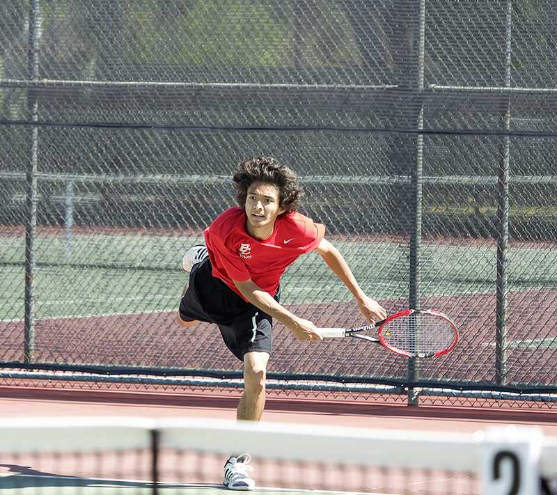 Tennis qualifies for state tournament