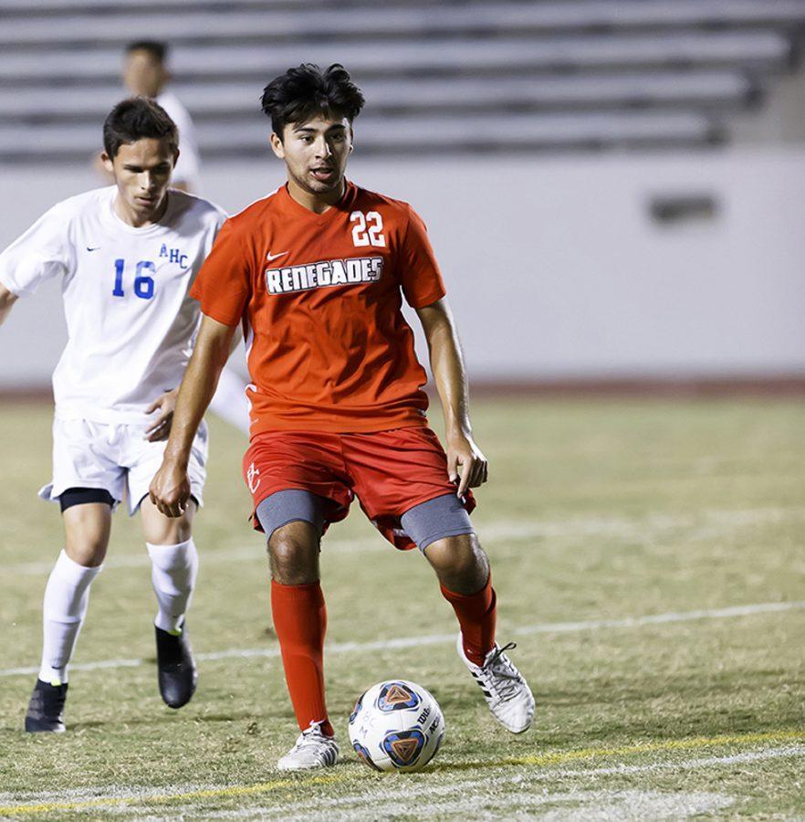 Men's soccer team struggles against Moorpark and Fresno City