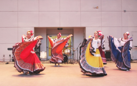 MEChA hosts Noche de Cultura at BC Campus