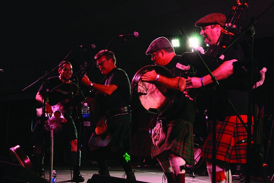 Whiskey+Galore+band+members+play+Celtic+music+at+the+Celtic+Festival.