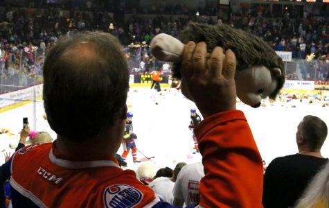Teddy Bear Toss collects 10,0549 stuffed toys
