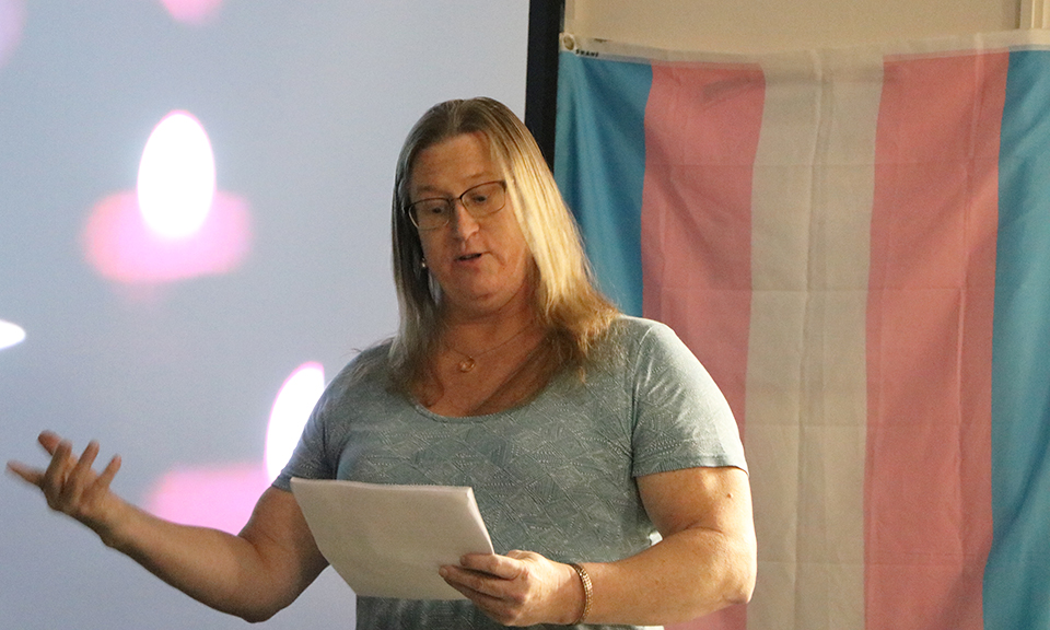 Melinda Summer shares her experience of suffering from gender dysphoria.