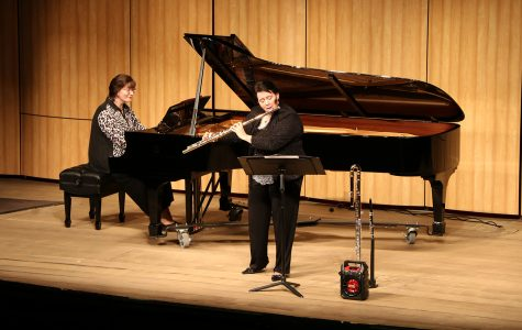 Faculty music recital wows student audiences
