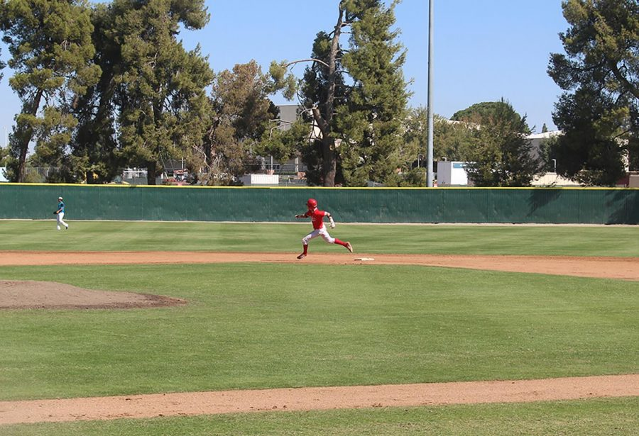 BC freshman Matt Patton (7) sprinting from second base to third base at the preseason game on Oct. 12.